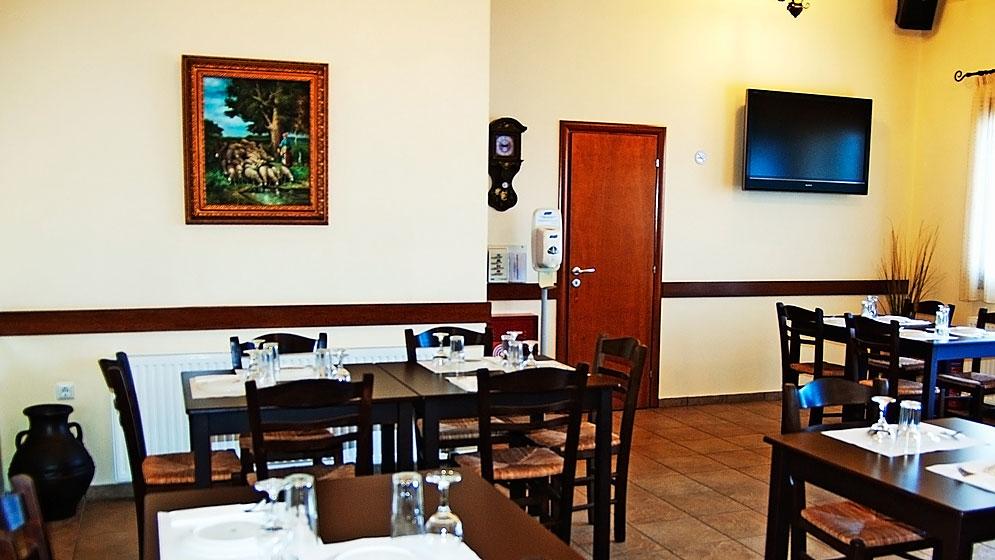 08. Anagennisis Restaurant Naxos | Warm & Cozy Place